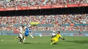 Rodri ante el Sevilla