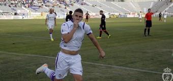 El Jaén vence 3-1 al Sevilla Atco. y se asoma a los puestos de arriba
