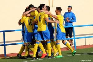 Huetor Tajar Alquian celebra gol josemi