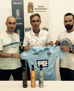 Foto: Villacarrillo CF | Simarro en su presentación junto a sus ayudantes