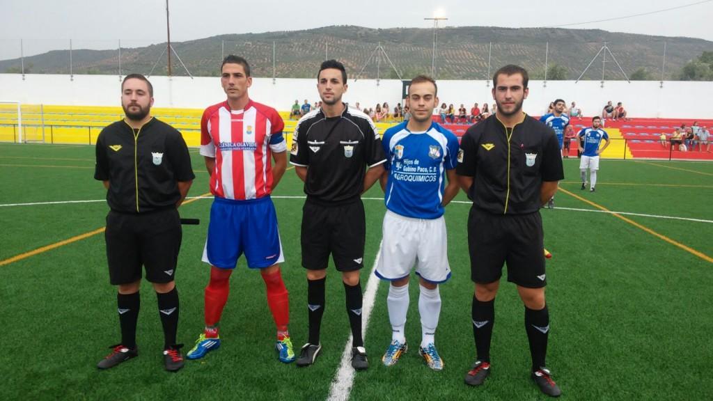 Foto CD Vva|Domingo y Tigre, capitanes del Arquillos y el Villanueva.