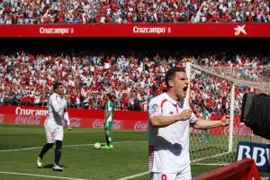 Gameiro Sevilla Betis celebración