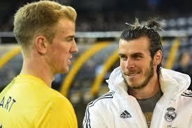 Joe Hart, portero del Manchester City, y Gareth Bale, extremo derecho del Real Madrid