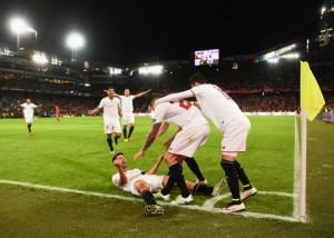 Coke celebración Sevilla final Europa League